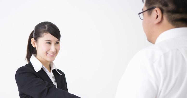 【働く女の「モテ道場」】「お願いします」は神ワード。仕事もデートも人に「頼る」のが素晴らしいワケ