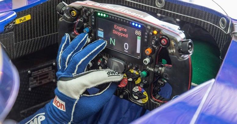 """もはや""""全部のせ""""。F1のステアリング進化が止まらない!"""
