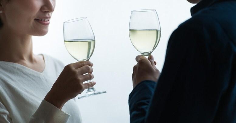 【結婚・離婚の幸福論】お酒で豹変!夫から離婚を突きつけられる「アルハラ妻」の実態とは
