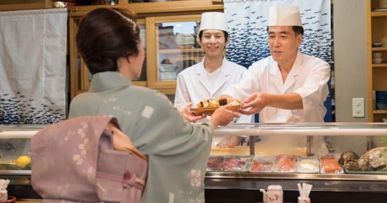 「着物にメガネはNG!」という和食業界に伝わる謎マナー… その理由が理不尽すぎる