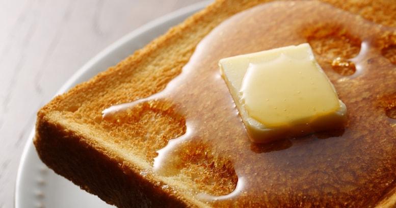 【衝撃】食パンを凍らせるとバターが染み込みやすくなる? 冷凍すると便利な食材3選!