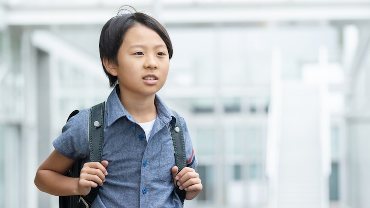 「どうなっちまうんだ…」小学生男子がめちゃくちゃ渋い顔で語っていた その内容が懐かしすぎると話題に