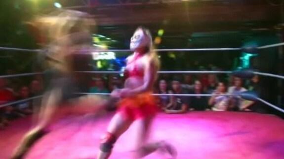 英ロンドンで女子プロレスが人気、ネットドラマが影響(字幕・17日)