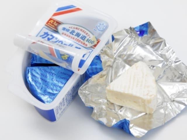 ナチュラルチーズもコンビニで手軽にゲット。