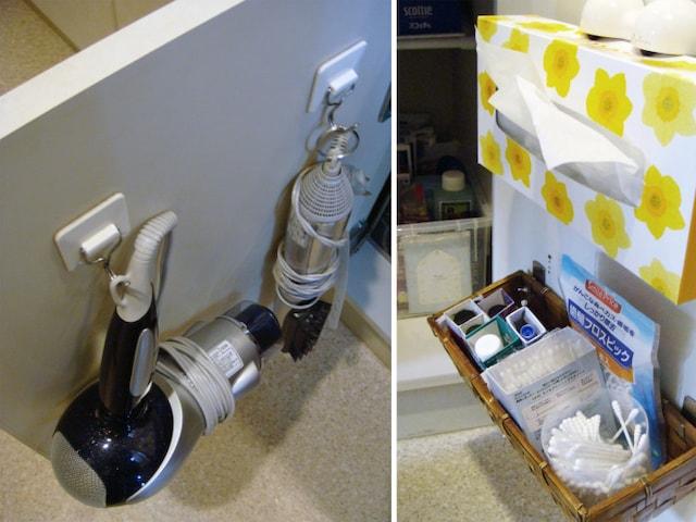 粘着フックは100円ショップで手に入る。扉を開けたたま使って戻すという片付け方でもOK