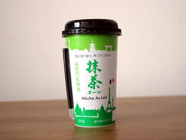 パリと日本のイラストが描かれた抹茶オーレ
