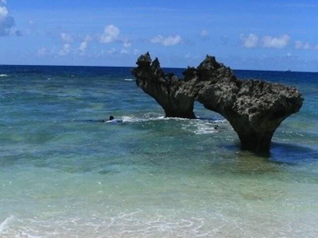 恋愛が成就する? 古宇利島のハート岩
