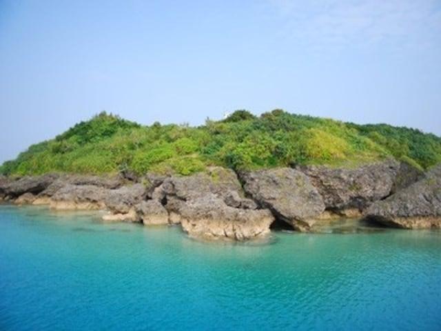 本島からフェリーで20分で行ける神の島、久高島