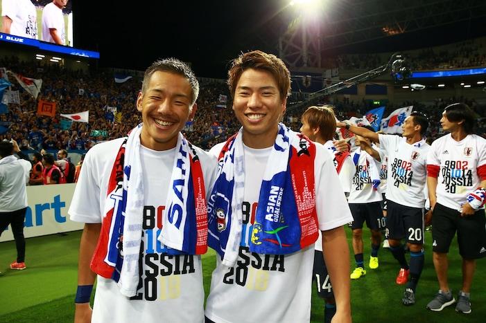 井手口陽介(左)と浅野拓磨