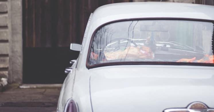 なぜ白・黒・シルバーの車がこんなにも多いのか