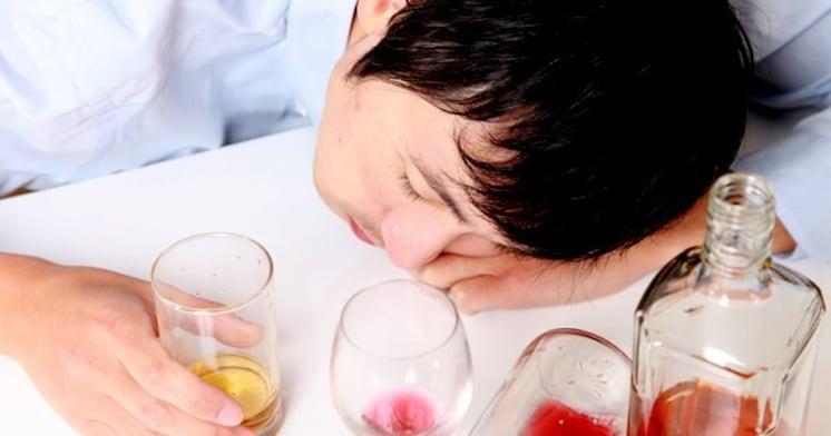 お酒をたくさん飲んでも、家に帰れるのはなぜ?~記憶とアルコールの不思議な関係
