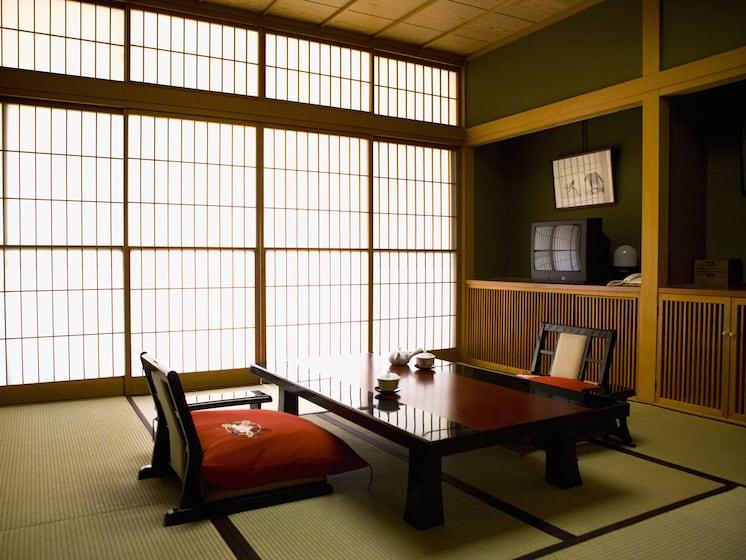 「民泊」と「空き部屋マッチングサービス」の登場で、日本の旅館業は衰退するのか?