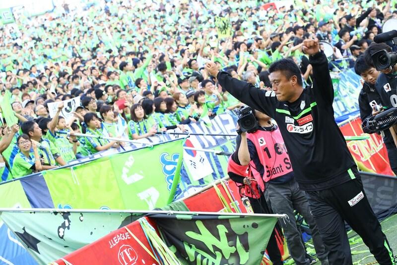ルヴァンカップでの初優勝湘南ベルマーレ(写真:松岡健三郎/アフロ)
