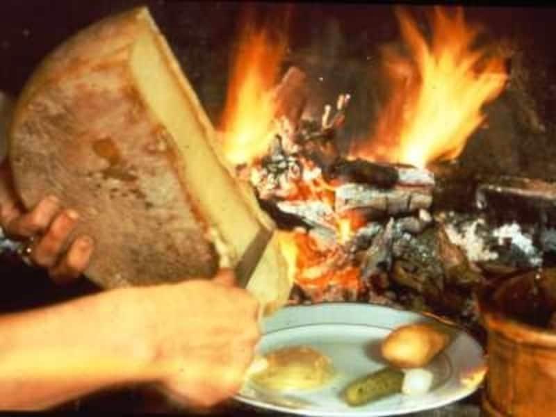 スイス料理 絶品の郷土料理10選、主食やデザートは?