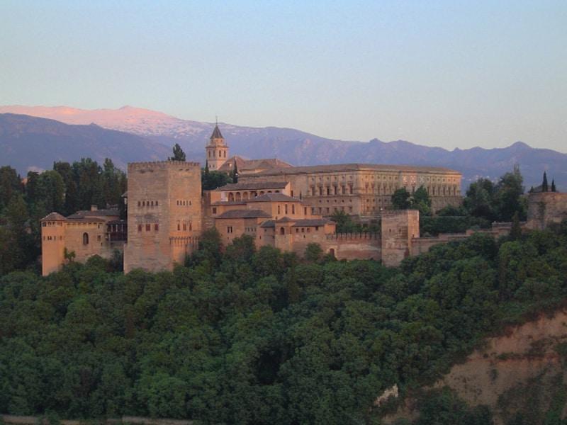アルハンブラ宮殿 歴史や見所、チケットの予約など