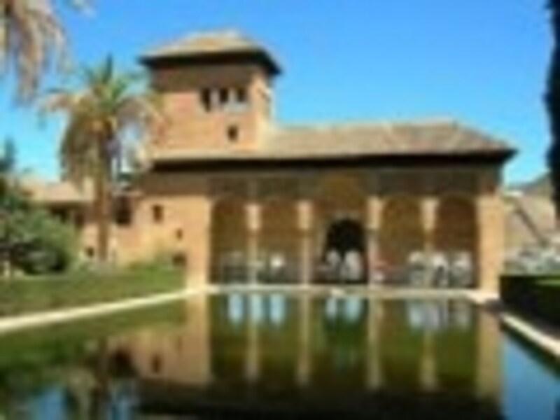 グラナダの観光 2つの世界遺産を持つ南スペインの街