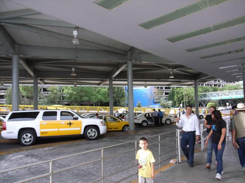 メキシコシティ空港から市内へのアクセス
