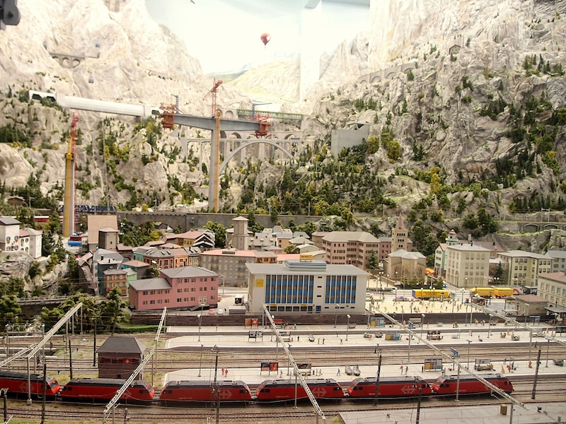 世界最大のミニチュアワンダーランド!ドイツ鉄道模型館