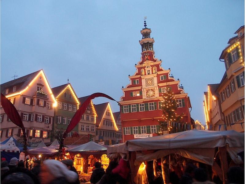 中世の世界を再現したクリスマスマーケット/ドイツ