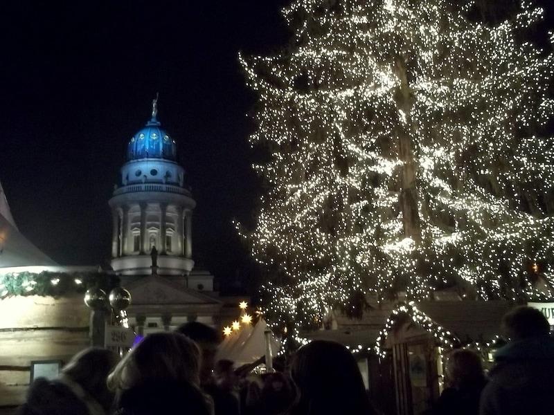 100の市が立つ!ベルリンのクリスマスマーケット2017
