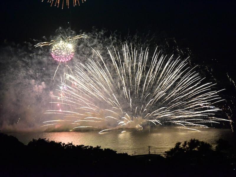 鎌倉・江の島の夏!花火などのイベント、祭り、季節の花【2019】