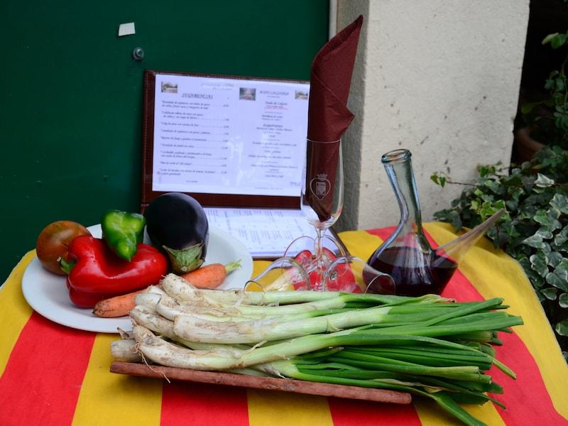 バルセロナ名物カルソッツの食べ方や祭り、おすすめ店