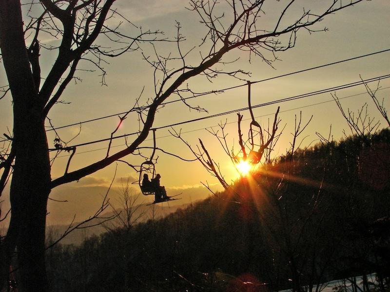 札幌藻岩山はナイターを狙え!夜景とスキーを満喫