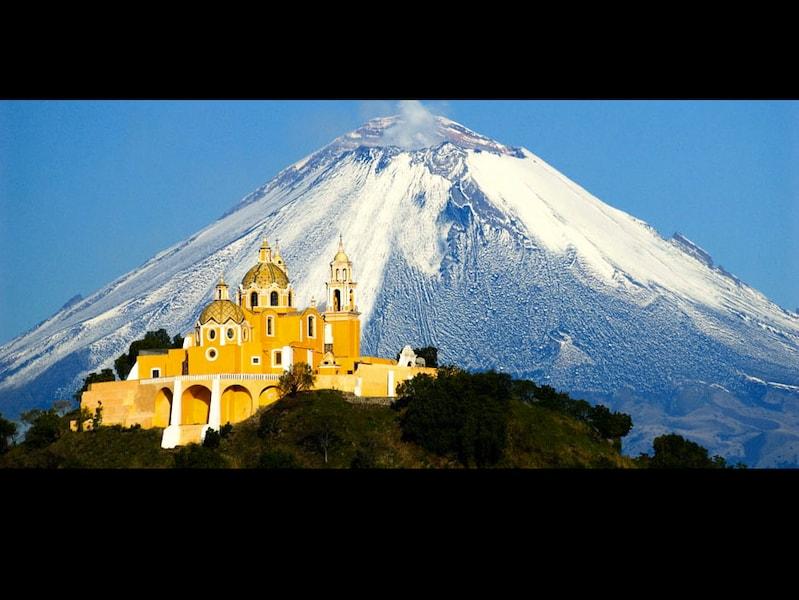 25世紀の歴史を持つ古代都市チョルーラとピラミッド