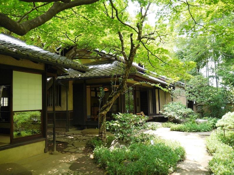 東京の文学館めぐり!超有名文豪漱石・鴎外・太宰などの記念館