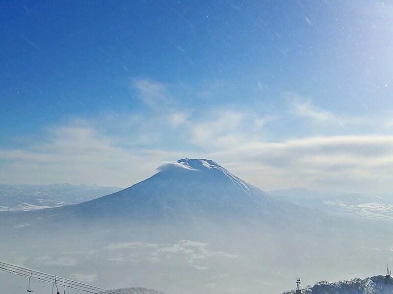 GWまで春スキー!北海道・ニセコの絶景を滑る