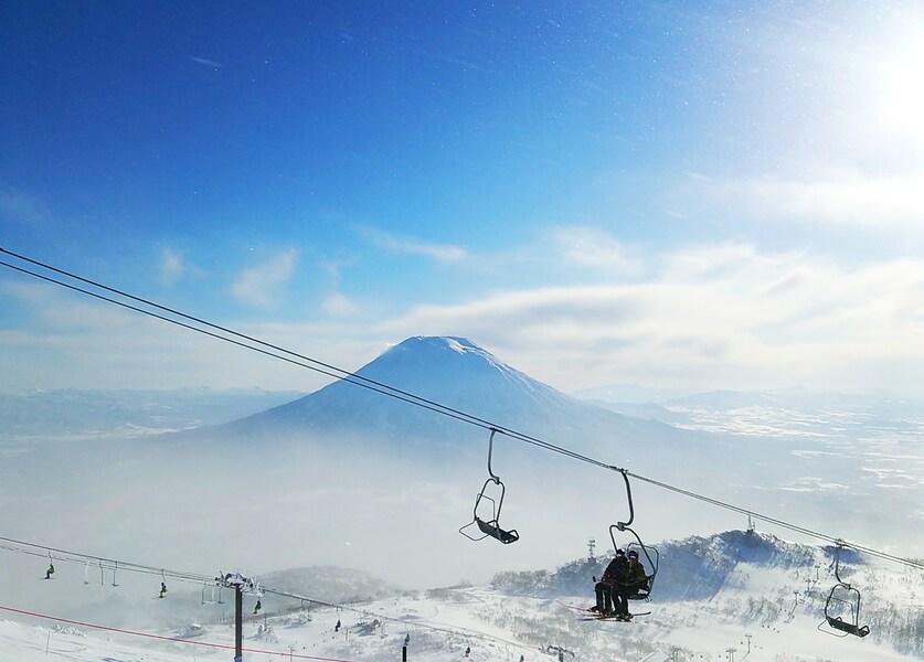 ニセコでGWまで春スキー!北海道の絶景ゲレンデを滑る