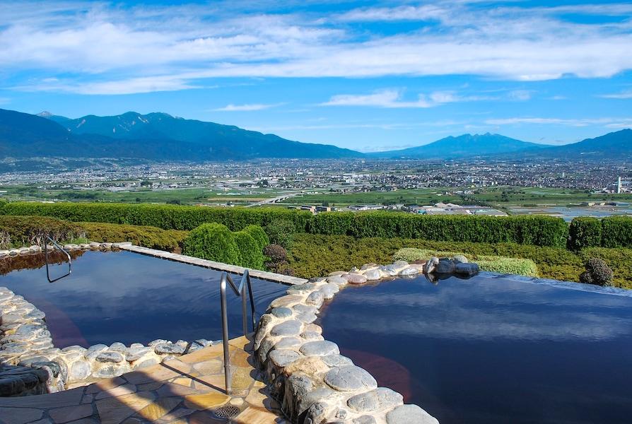 山梨のおすすめ日帰り温泉6選 富士山が見える温泉も!