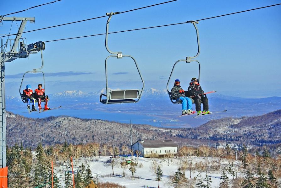 札幌国際スキー場 アクセス抜群の絶景スノーエリア!