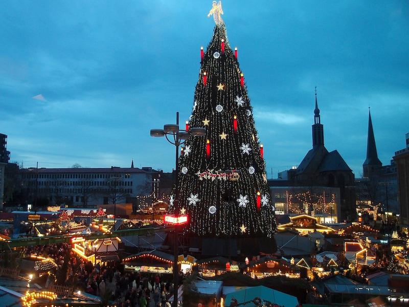 ドイツ最大のツリー!ドルトムントのクリスマス市