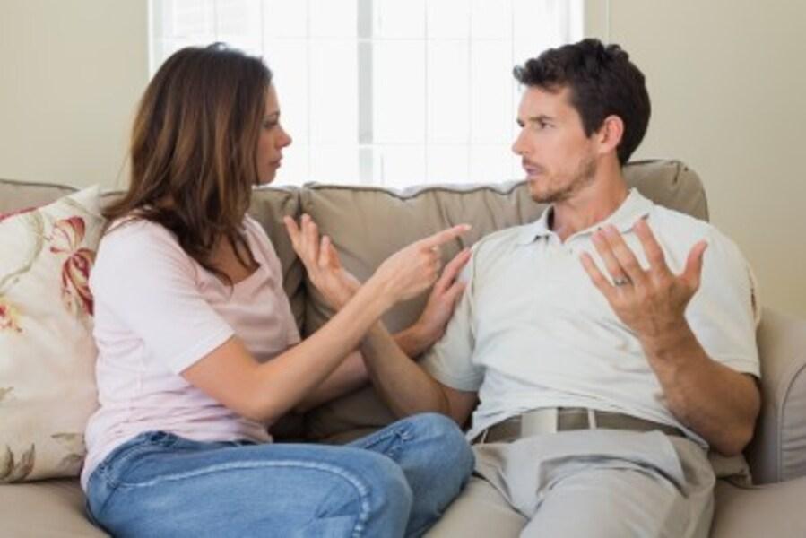 夫に「飽きた」と思われやすい妻の特徴2:稼ぎが悪いと夫をなじる!