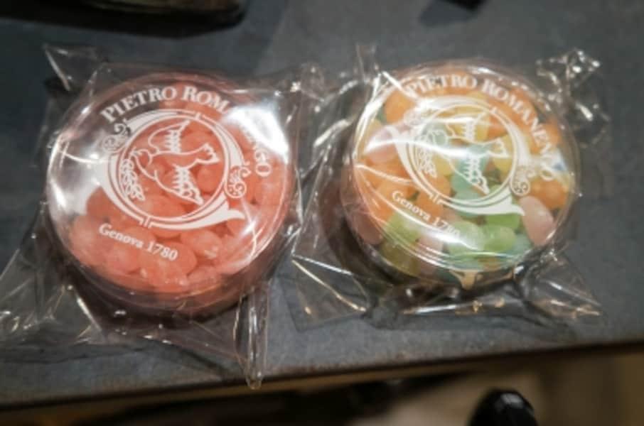 間違いのない美味しさのイタリア・ジェノバにある老舗砂糖菓子専門店「ピエトロロマネンゴ」のシュガーボンボン(ローズ/カラー)各1,728円