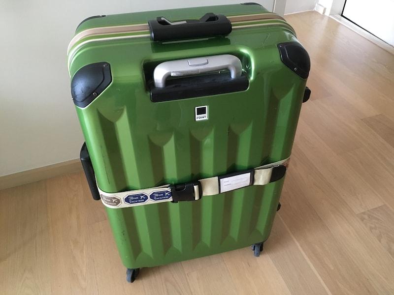 スーツケースベルトが便利!締め方とおすすめアイテム