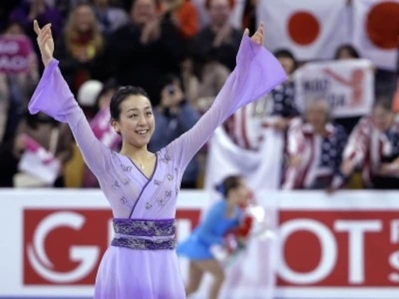 復帰後シーズン1年目、2016年の世界フィギュアFSでの浅田真央(写真:AP/アフロ)
