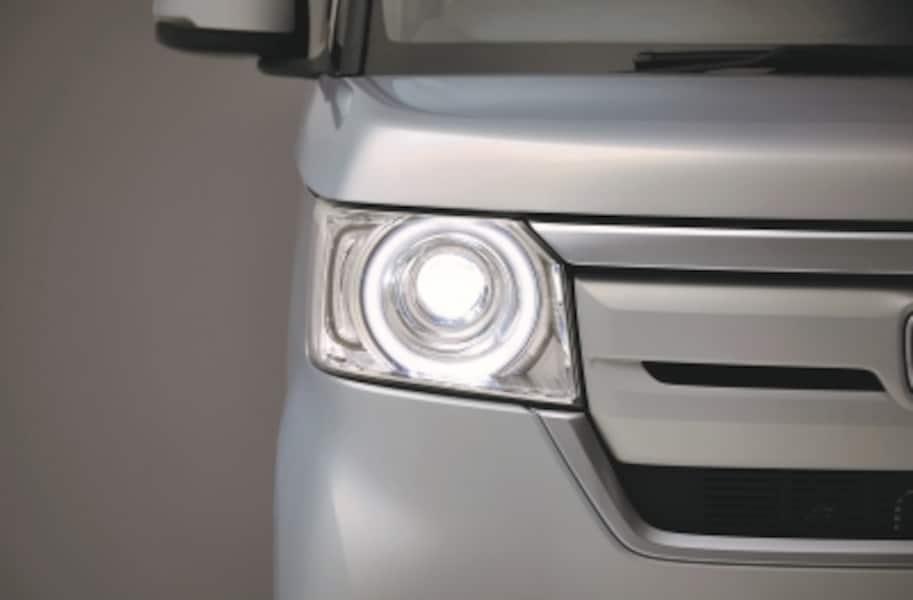 新型N-BOXのLEDヘッドライト