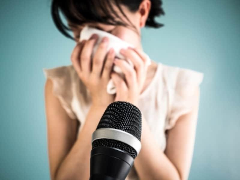 妻の不倫で、夫が釈明会見。夫を絶賛する声もあるが、世の女性たちは……?