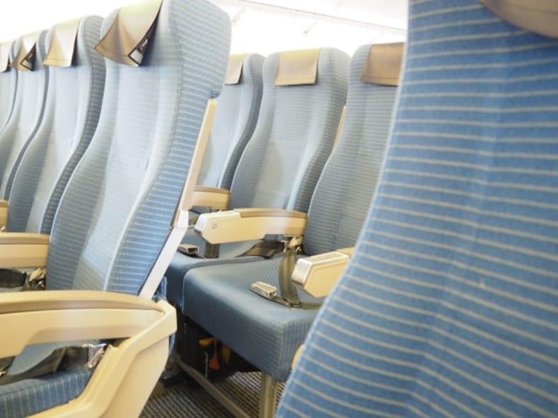 通路側か窓側か!? 飛行機の座席の賢い選び方