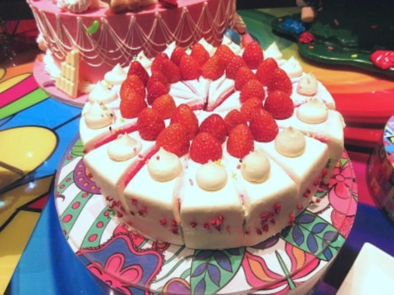 マーブルラウンジレインボーショートケーキ