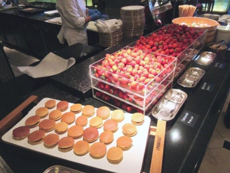 ザ・テラスフレッシュ苺のブッフェ台