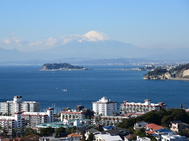鎌倉から逗子へ、披露山公園を目指す海辺ハイキング
