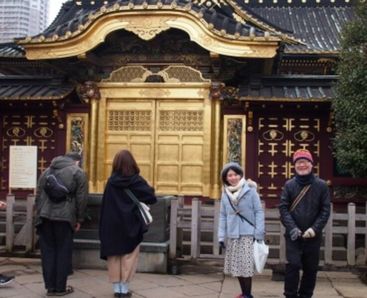 門の前にカメラ置台があるので、セルフタイマーで写真が撮れる