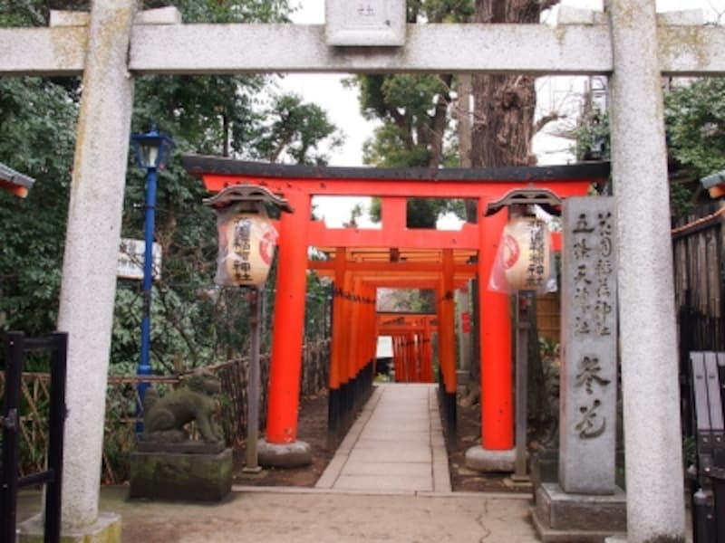 花園稲荷神社は恋愛、縁結びの神様として有名