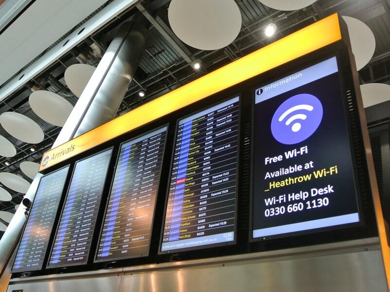 飛行機が悪天候や災害で欠航した時の対処法【国際線】