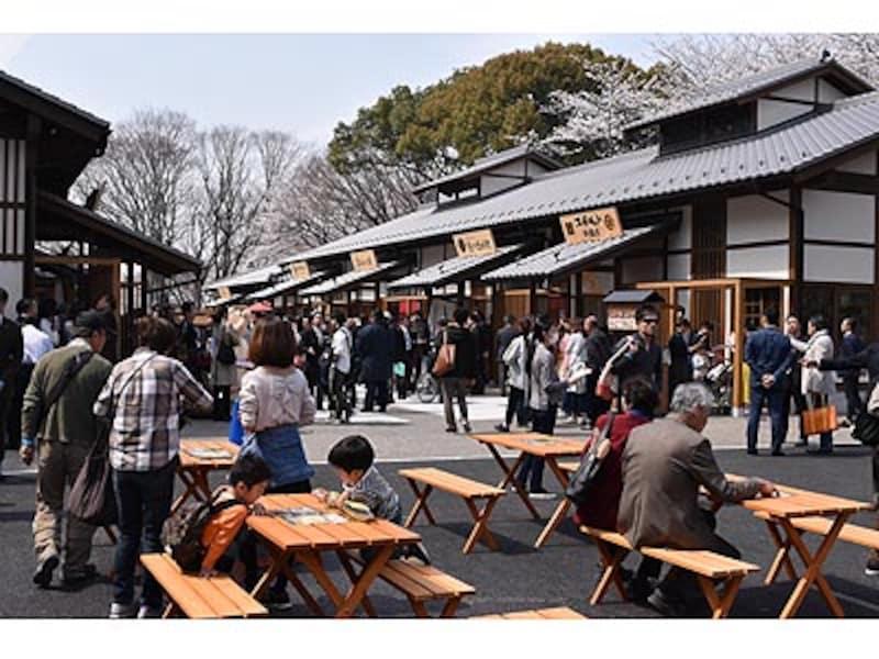 名古屋の新名所「金シャチ横丁」が誕生!全19店が集結