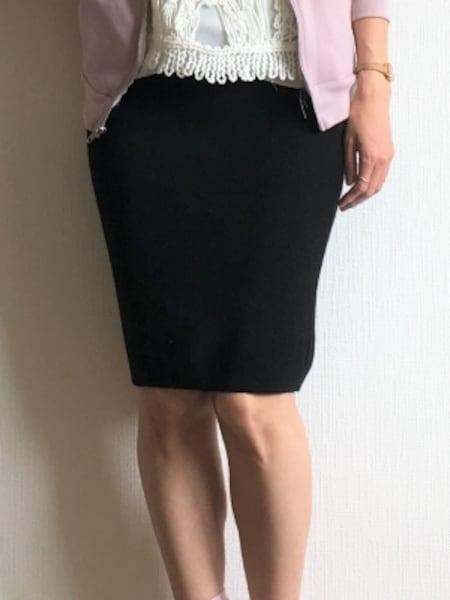 今年は長め丈がトレンドなので、しっかり膝が隠れていないこんな短め丈はNGです