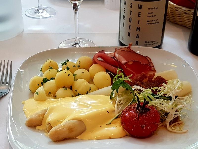 ドイツ野菜の王様シュパーゲル(白アスパラ)とレシピ
